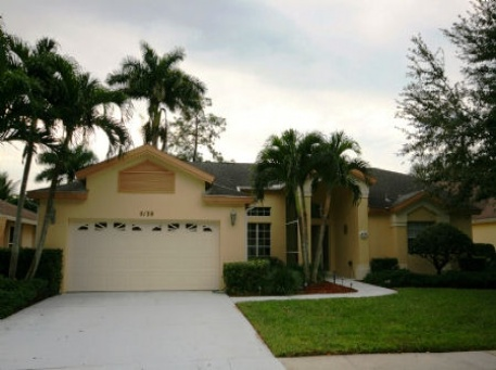 IE5130 Sunbury Court, Briarwood, Naples,  - Just Properties
